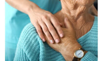 Assistenza anziani: come assumere una badante diurna