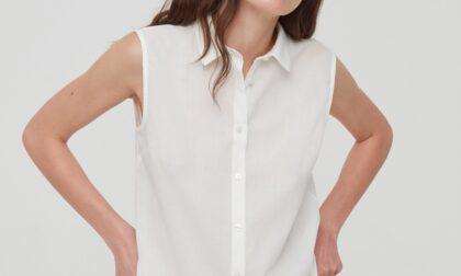 Va agli esami con una camicia smanicata: maestra le urla contro e la obbliga a cambiarsi