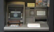 Intesa chiude i due bancomat a Bratto, il sindaco: «Inviamo migliaia di reclami»