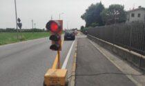 Tagliati i cavi elettrici dei semafori a Bonate Sotto, il sindaco: «Gesto di una gravità inaudita»