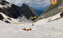 In cordata sul Pizzo Redorta, scivolano per 300 metri: in salvo due alpinisti