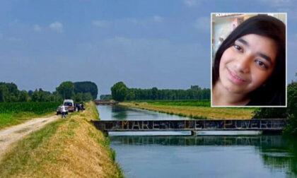 Scivolano in acqua e non riemergono più: due 18enni indiani annegati nel canale Vacchelli