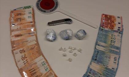 In auto e in casa ha oltre 165 grammi di cocaina: in carcere un 39enne marocchino