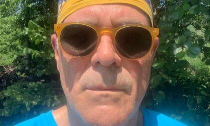 Zangrillo, selfie all'aperto senza mascherina: «Modalità per persone assennate»