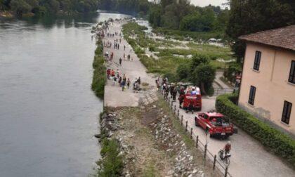 Prova ad attraversare l'Adda e resta bloccato, paura per un 23enne
