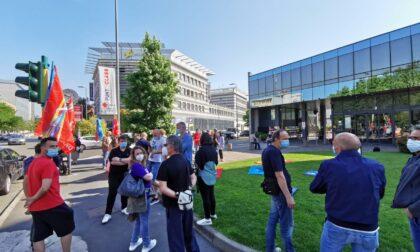 Sciopero di 8 ore contro la chiusura della Bayer a Filago: domani incontro con l'azienda