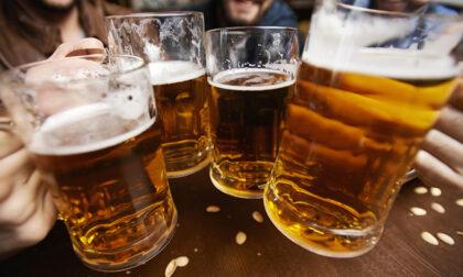 Beer mile run, la staffetta dove per gareggiare bisogna prima scolarsi una birra