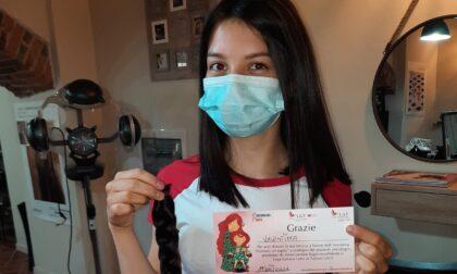 Ricordate Valentina e il cartello per l'Atalanta? Ha donato i capelli ai pazienti oncologici