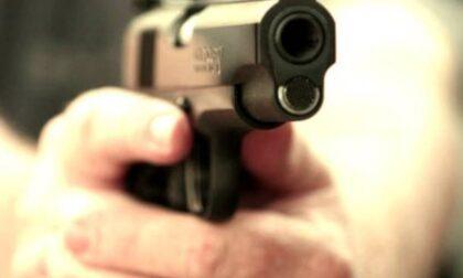 Minaccia un barista di Selvino con una pistola giocattolo: denunciato un 51enne milanese