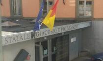 Italia in finale agli Europei, e c'è chi tiferà con una bandiera rubata al liceo artistico