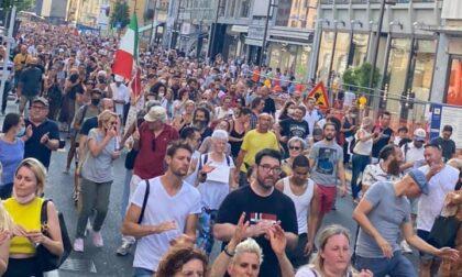 Corteo no-vax in centro città: partecipanti e organizzatori saranno multati e denunciati