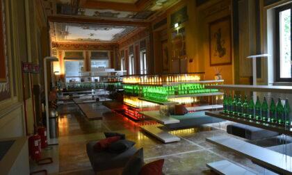La nuova sala relax di QC Terme San Pellegrino, fatta di fluorescenti bottiglie