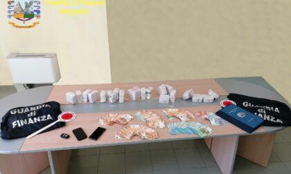 Droga, maxi sequestro a Canonica: in auto aveva 10 chili di hashish e 25mila euro