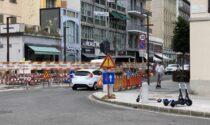 Si completano gli attraversamenti in porfido di via Tiraboschi: come cambia la viabilità