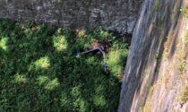 Monopattino elettrico del Comune scagliato giù dalle Mura alla Fara