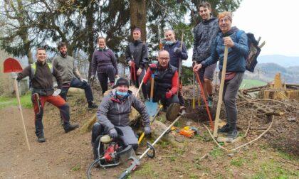 Pic e pala e tanta amicizia: per resuscitare i sentieri arrivano i Trail Builders