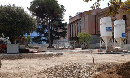 Riqualificazione del Sentierone: in piazza Cavour arriva la nuova pavimentazione
