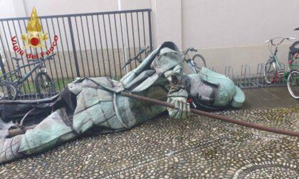 «Rivolete San Giorgio al suo posto?»: a Treviolo c'è già nostalgia per la statua
