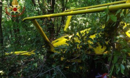 Elicottero privato in difficoltà, atterraggio sopra Pontida