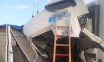 Schianto tra due tir e un'auto, muore camionista bergamasco di Italtrans