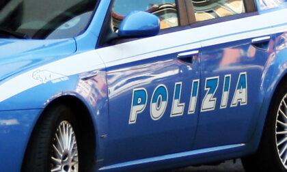 Blitz della polizia, smantellata banda di spacciatori: 23 persone arrestate e portate in carcere