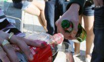 Dalmine, stop ai bivacchi notturni: vietato bere alcol nel parco Pertini e in piazza