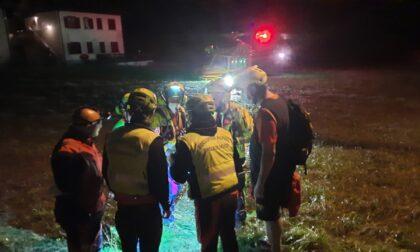 Biker disperso sui monti di Moio de' Calvi: spettacolare recupero notturno in elicottero