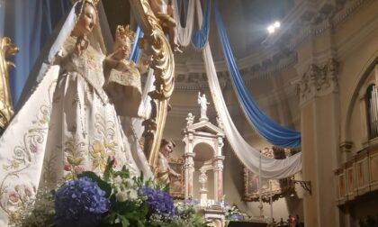 Sabato Carona chiude il Centenario della parrocchiale con la Processione delle Rose