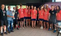 Le ragazze dell'Hammer Celadina Volley Bergamo a Villa d'Adda con la Coppa Italia