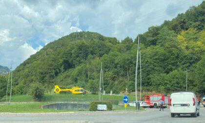Schianto tra due automobili in Val Gandino: morto un uomo di 86 anni, ferite due donne