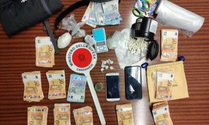 Nascondeva in casa cocaina, hashish e 10mila euro in contanti: arrestato 34enne tunisino