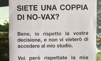 «Siete una coppia no vax? Venite pure in studio, ma non fotograferò il vostro matrimonio»