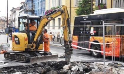 Via Tiraboschi, ci siamo: si asfalta la strada e la riqualificazione sarà completata
