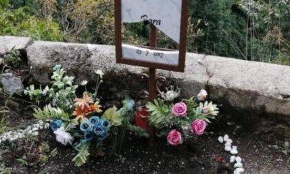 Distrutta (di nuovo) la lapide a Ubiale Clanezzo in ricordo di Bara: «Vigliacchi senza dignità»
