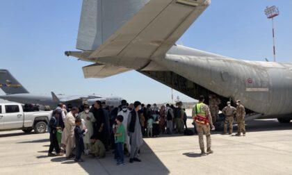 Profughi in fuga dall'Afghanistan: accolte nella Bergamasca le prime cinque famiglie