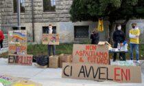 Lotta al cambiamento climatico: presidio dei Fridays for Future in piazza Vittorio Veneto