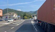 Scontro tra due auto a Villa d'Almè, traffico paralizzato per chi sale in Val Brembana