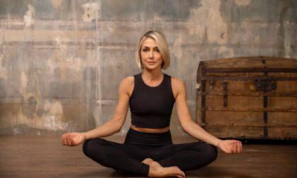 Yoga in Piazza Vecchia con Francesca Senette, che dopo il Tg4 ha cambiato vita