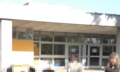 Treviglio, maestra sciopera contro il Green Pass: «Venite a riprendervi vostro figlio»