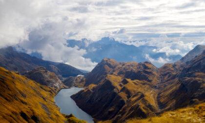 Le meravigliose atmosfere e i colori dell'autunno salendo alla vetta del monte dei Frati