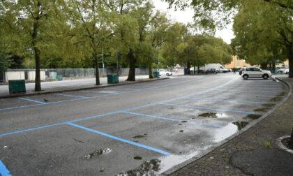 Parcheggio vuoto, la Malpensata protesta: dalle 7 nelle vie intorno non si trova un buco