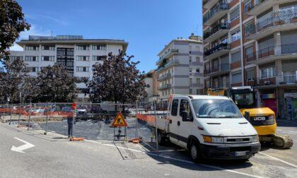 Distributore in via Baschenis, Brembilla: «Se tutto fila liscio lavori per il rondò in 4-5 mesi»