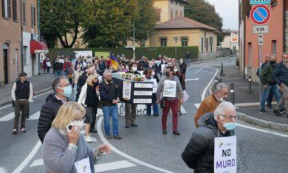 """Treno per Orio: senza modifiche al progetto Boccaleone celebra il """"funerale del quartiere"""""""