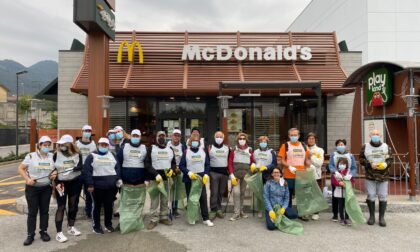 McDonald's in campo per l'ambiente: raccolti 210 chili di rifiuti abbandonati