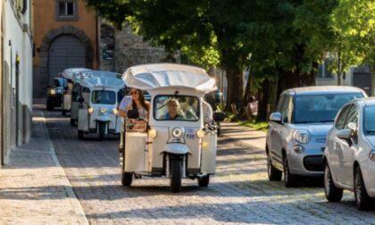 Fino a San Vigilio a bordo dei Tuk Tuk elettrici, per scoprire le bellezze di Bergamo