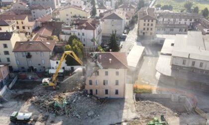 Appartamenti all'ex Italcementi in via Rovelli: il video dell'avvio delle demolizioni