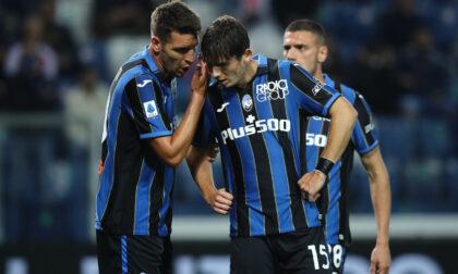 Al Diavolo si regala: gravi errori e reazione tardiva, il Milan batte l'Atalanta 3-2 al Gewiss