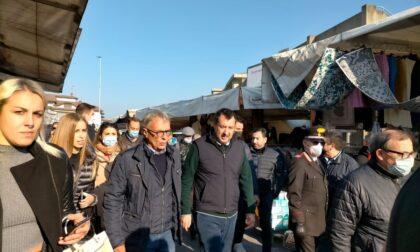Salvini al mercato di Caravaggio per tirare la volata a Prevedini (e criticare il Green Pass)