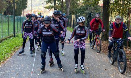 L'impresa di Valentina: da Zogno a Piazza Brembana sui pattini, guidata dai compagni d'allenamento